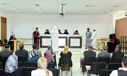 "An justice scene represented by the ""Moot Court"" at AAU"